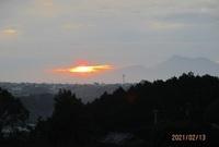 '21.2.13雲の中の朝日.JPG
