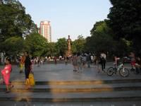 '13.10.20李太祖(リータイトー)銅像�@.jpg
