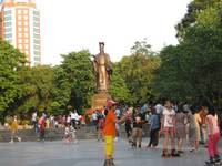 '13.10.20李太祖(リータイトー)銅像�A.jpg